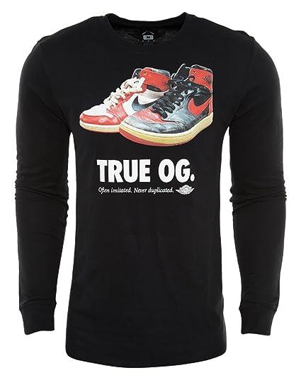 ddda8f31eafa Amazon.com  Air Jordan Mens Retro 1 True OG Long Sleeve Shirt Black White  Chicago Banned (Large