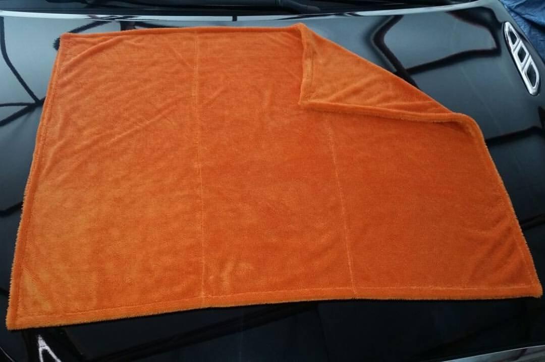 NEW Super Absorbent Ultimate Car Drying Towel 70cm x 90cm Dual Sided Twist Korean Microfibre Edgeless Car Drying Towel Cloth (Orange) - BEST ON AMAZON Saverschoice UK