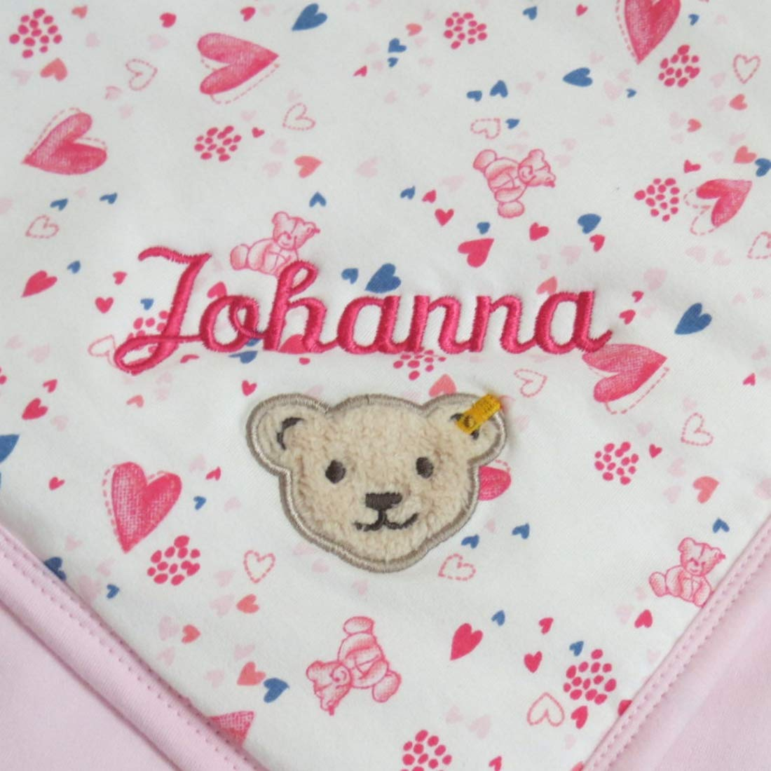 Steiff Babydecke mit Ihrem Wunsch-Namen bestickt Herzchen und B/ärchen creme 90 cm x 60 cm personalisierte Jersey-Decke als Namensdecke Herzchendecke
