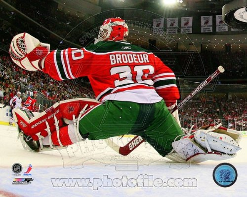- Martin Brodeur New Jersey Devils NHL Action Photo 8x10 #110