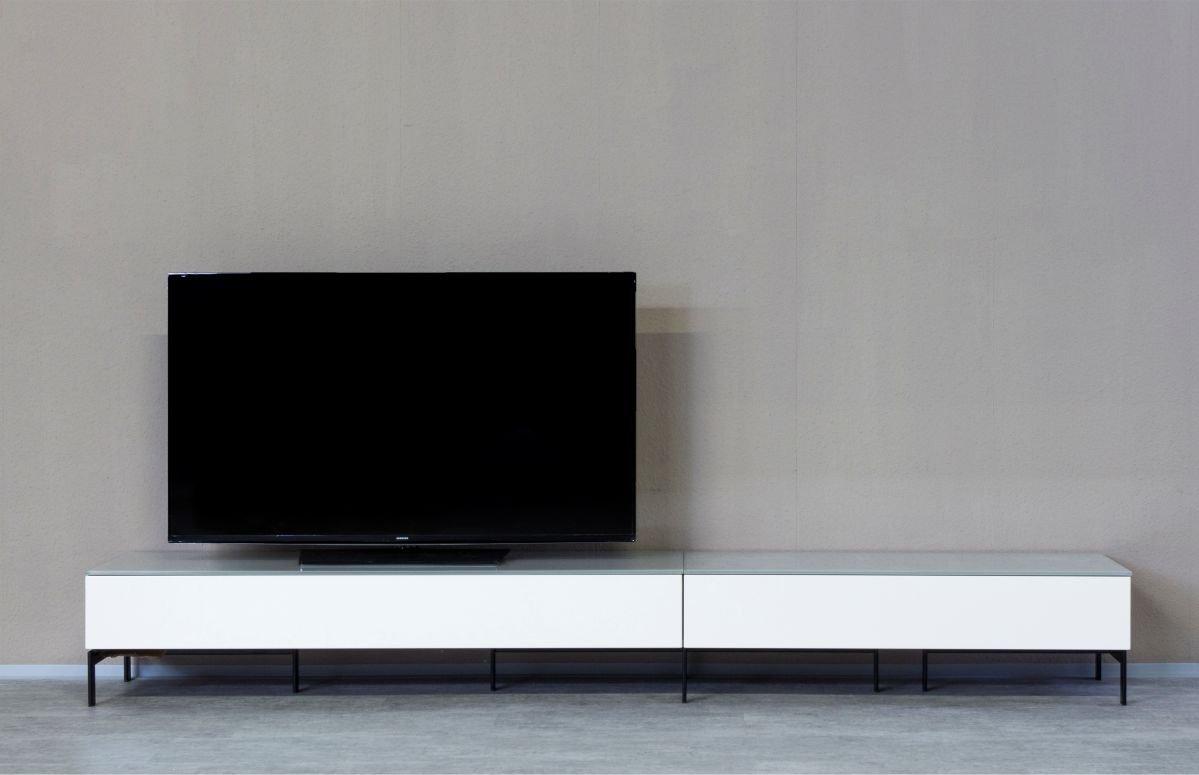 KITOON TV-Lowboard Nr. 3 G (B 266 cm), Fußgestell, Nuß geölt (Echtholzfurnier)