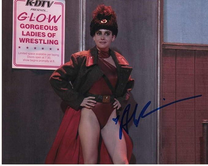 Photo Alison Brie Signed Autographed 8 x 10