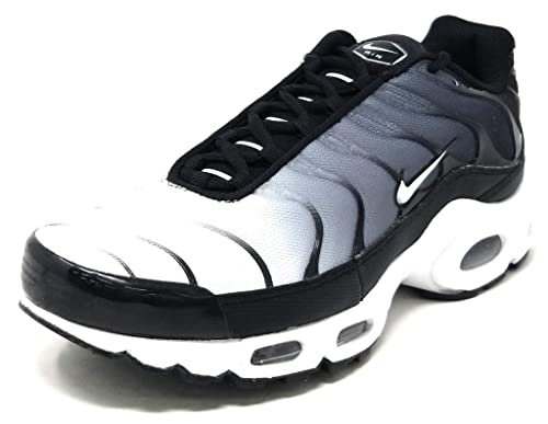 detailed look 1240f 9777c Nike Mens Air Max Plus BlackWhite Nylon Running Shoes 9.5 (D) M