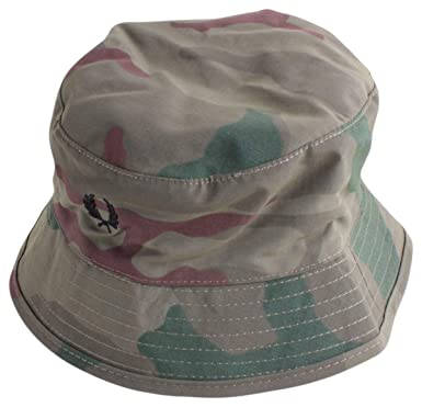 44c319f0f Amazon.com: Fred Perry Men's Camouflage Bush Hat: Clothing