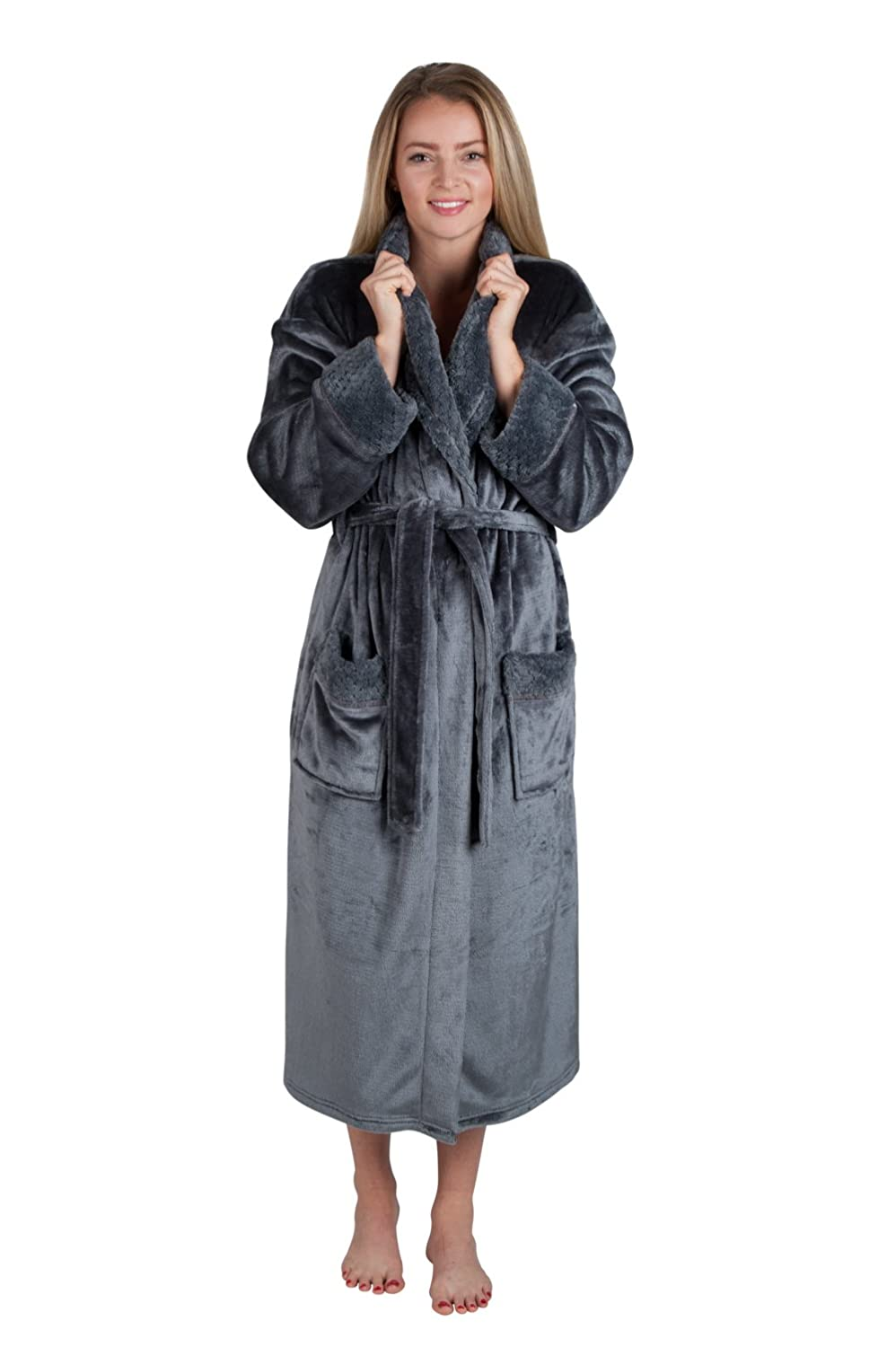cc504e87d2 Women s Spa Style Full Length Plush Robe with Velvet Collar   Cuffs Plus  Sizes Avail. at Amazon Women s Clothing store