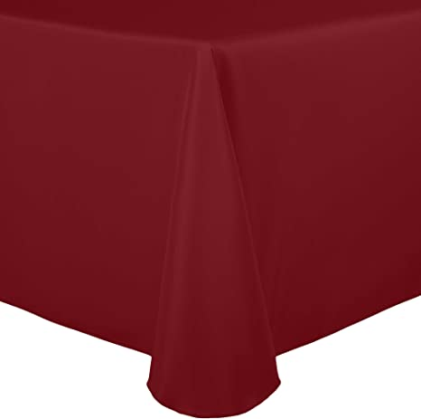 Amazon Com Ultimate Textile 70 X 104 Inch Oval Polyester Linen Tablecloth Holiday Red Home Kitchen