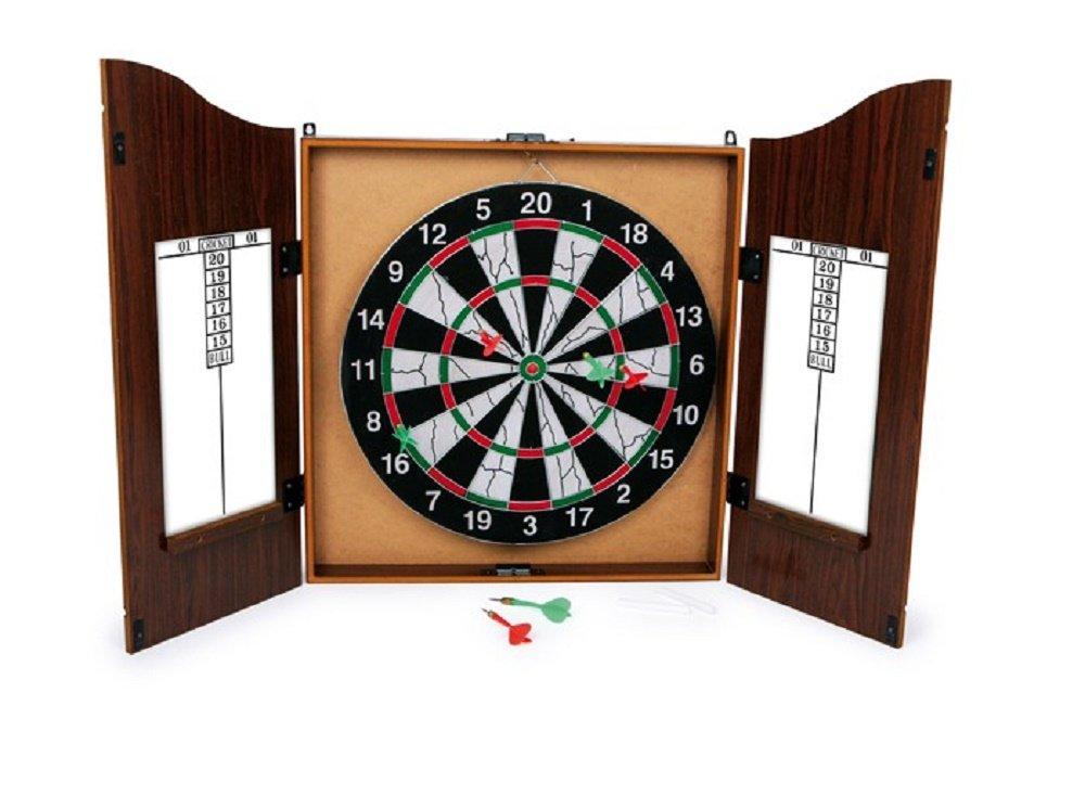Dartscheibe / Dart Scheibe / Vergnügliche Stunden verschafft dieses Dartspiel im tollen Retro-Design eines alten Pub´s jedem Spieler! Auf den Innenseiten der Türflügel mit Magnetverschluss sind Kreidetafeln mit Punktwerten für die Übersicht der laufenden Spiele. Die Scheibe (Ø ca. 42 cm) hat eine metallene Aufhängung und kann so auch gut an anderen Stellen platziert werden. 6 Pfeile (ca. 11 cm) und 2 Kreidestifte sind enthalten.