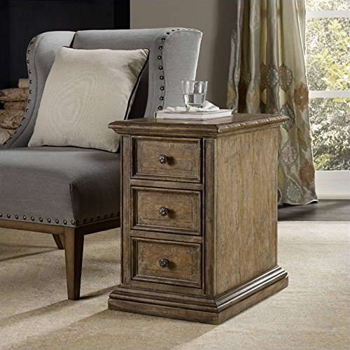 Hooker Furniture Solana 3-Drawer Chairside Chest in Light ()