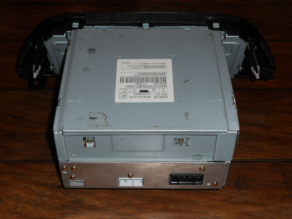 Amazon.com: HONDA ODYSSEY OEM Radio Stereo 6 Disc Changer MP3 CD Player XM  ready MODEL NUMBER 39100-SHJ-A100: Car Electronics