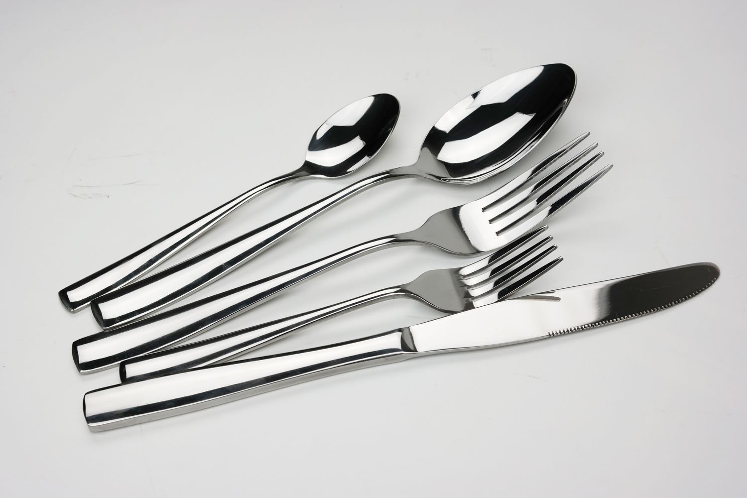 Dinner Utensils | Discount Kitchenware Items | Under $50 Gift Ideas For People Who Love To Cook