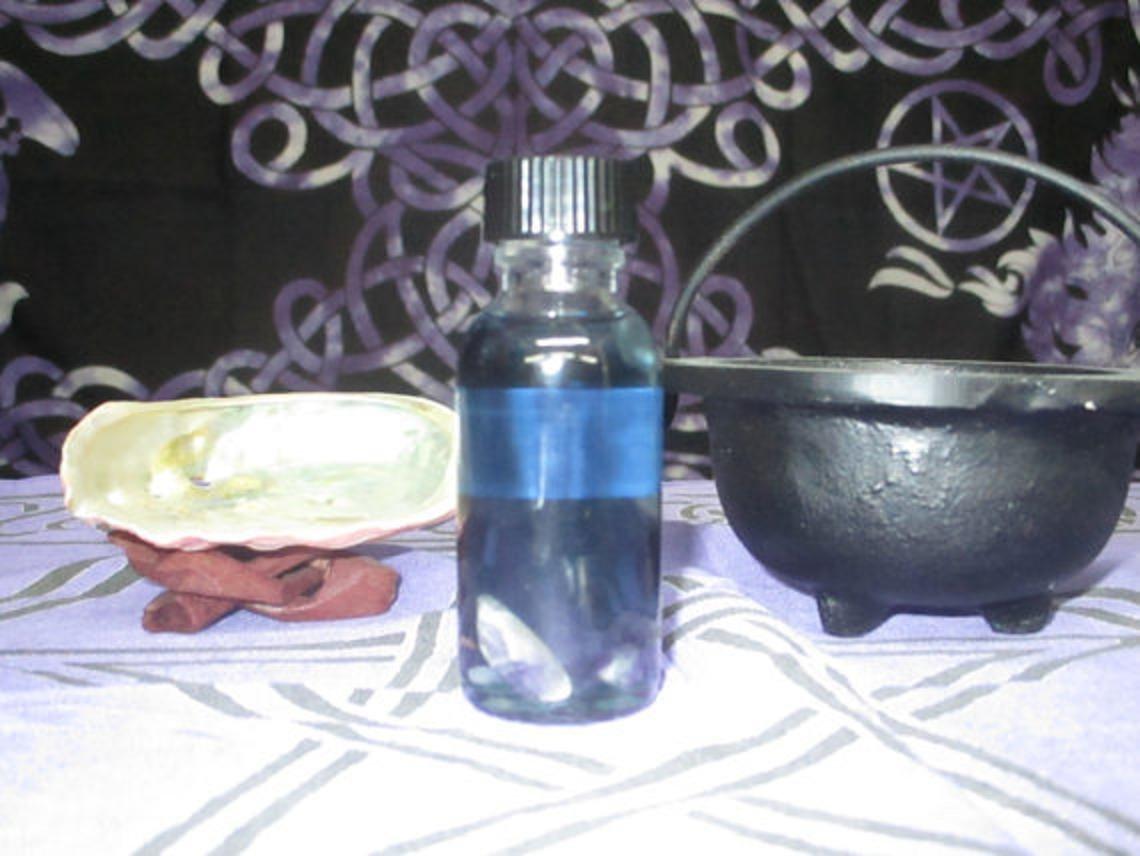 Amethyst Spell Oil ~ Healing Spell Oil ~ Meditation Spell Oil ~ Focus Spell Oil ~ Wicca Spell Oil ~ Witchcraft Spell Oil ~ Witchcraft Supply