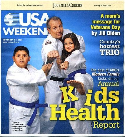 USA Weekend November 6 2009 Ed O'Neill & Modern Family Cast on Cover, Jim Caviezel/The Prisoner, Three Life Lessons from Playing Poker, Jill Biden (Joe's Wife), Lady Antebellum