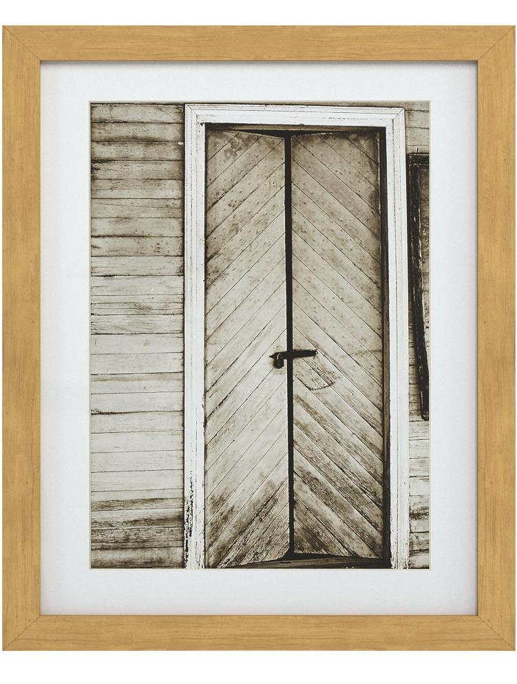 Amazon Brand Stone Beam Vintage Framed Black And White Barn Door Photo Wall Art 18 X 22 Inches Rustic Brown Posters Prints Amazon Com