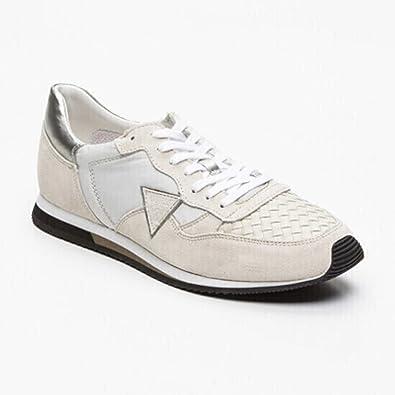 Sneakers Guess. FM1MRV. en nubuck beige et blanc Réf. FM1MRV-SUE12-OWHIT cQf8FC