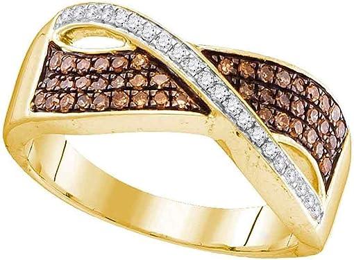 anillo de oro amarillo con bandas entrelazadas de diamantes blancos y marrones