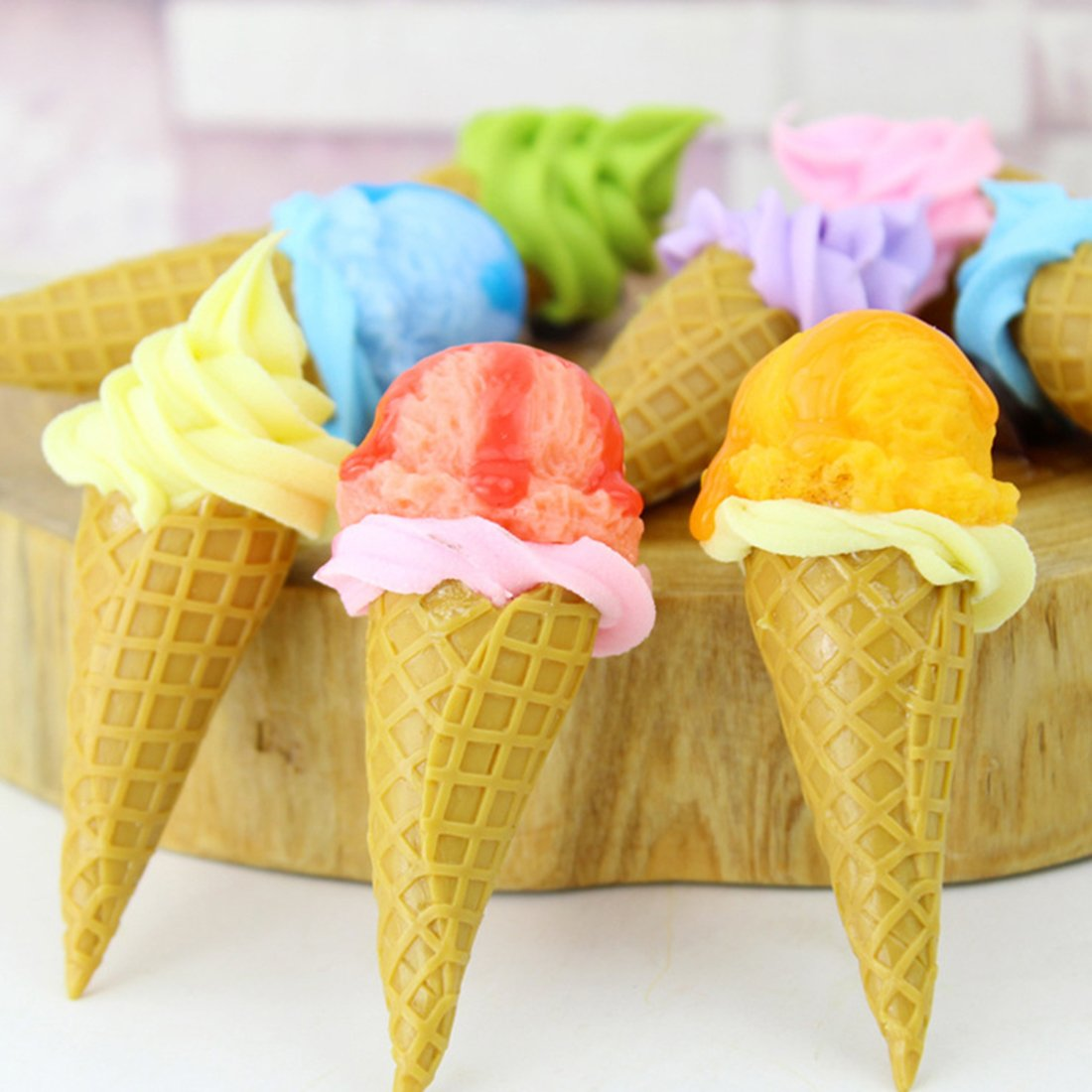 Zubita Ice Cream Cones Toy, 6PCS Realistic Dessert Simulation Ice Cream Model Round Head Ice Cream for Bakery Shop Window Display Craft Photography Props Children Pretend Toys Kitchen Toy Decor