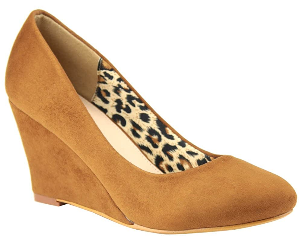 Cambridge Select Womens Closed Pointed Toe Slip-On Wedge
