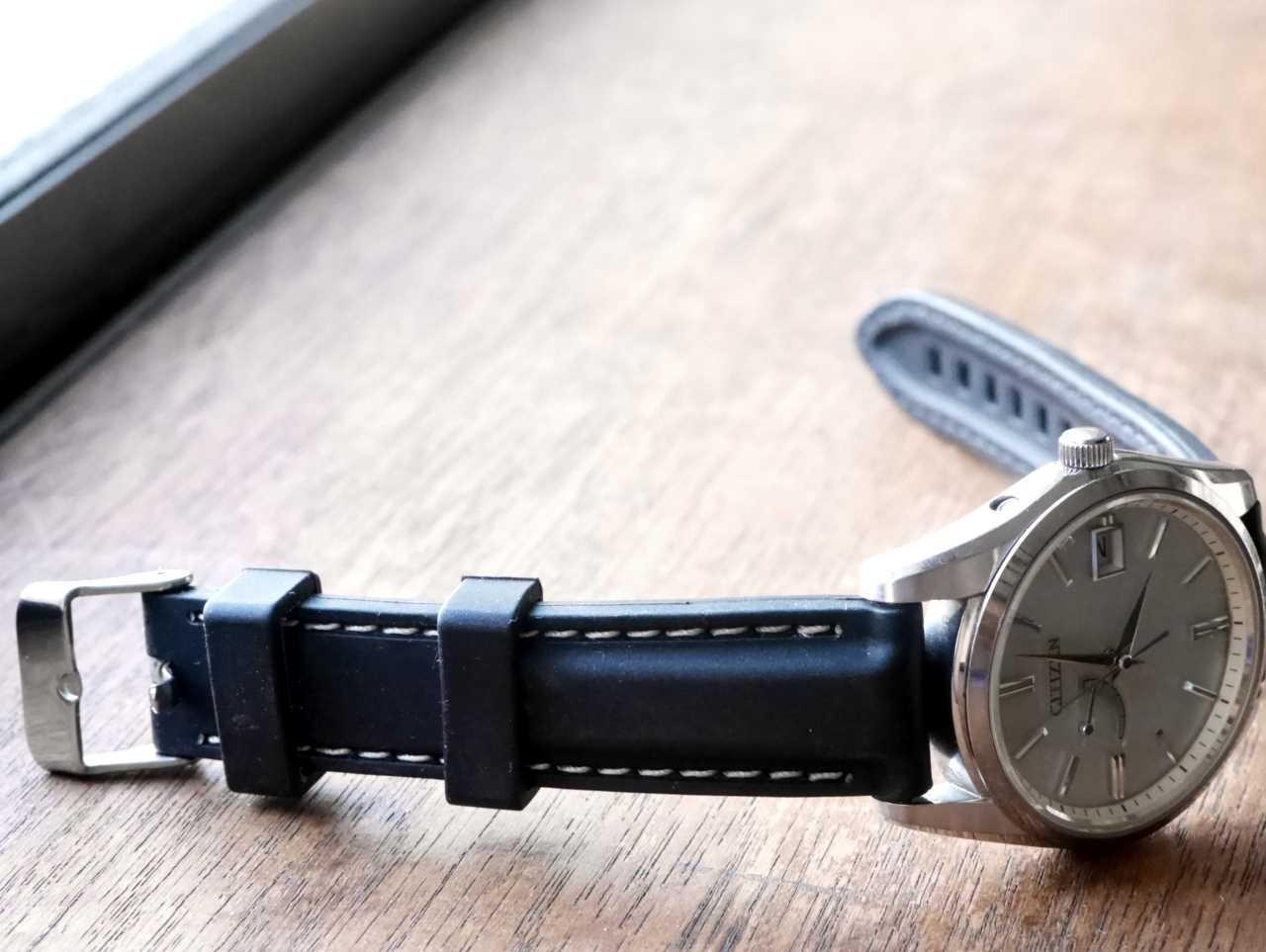1bcbcd6e21 銀色ケースのフォーマルっぽい時計につけるために購入しました。購入したのは18mmのものです。  ○良かったところ・ステッチがきれい:よじれ等なく、糸の太さ、ピッチ ...