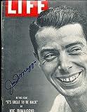 Joe Dimaggio Signed Autograph 1949 Life Magazine em label jsa letter