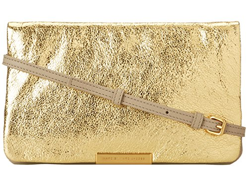 - Marc by Marc Jacobs Raveheart Metallic Clutch, Oro
