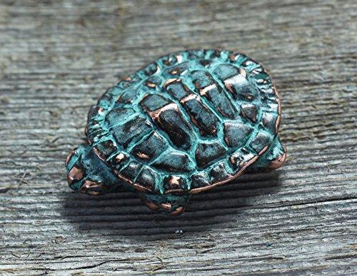 (Baby turtle sculpture)