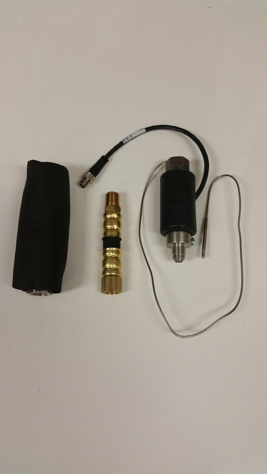 Fluid Temperature Sensor FTS with RTD 24K207 by Graco