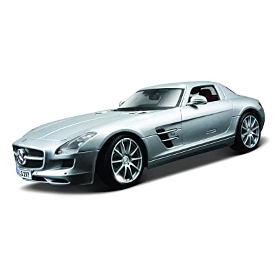 Maisto 1:18 Scale Mercedes-Benz SLS AMG Diecast Vehicle (Colors May Vary): Toys & Games