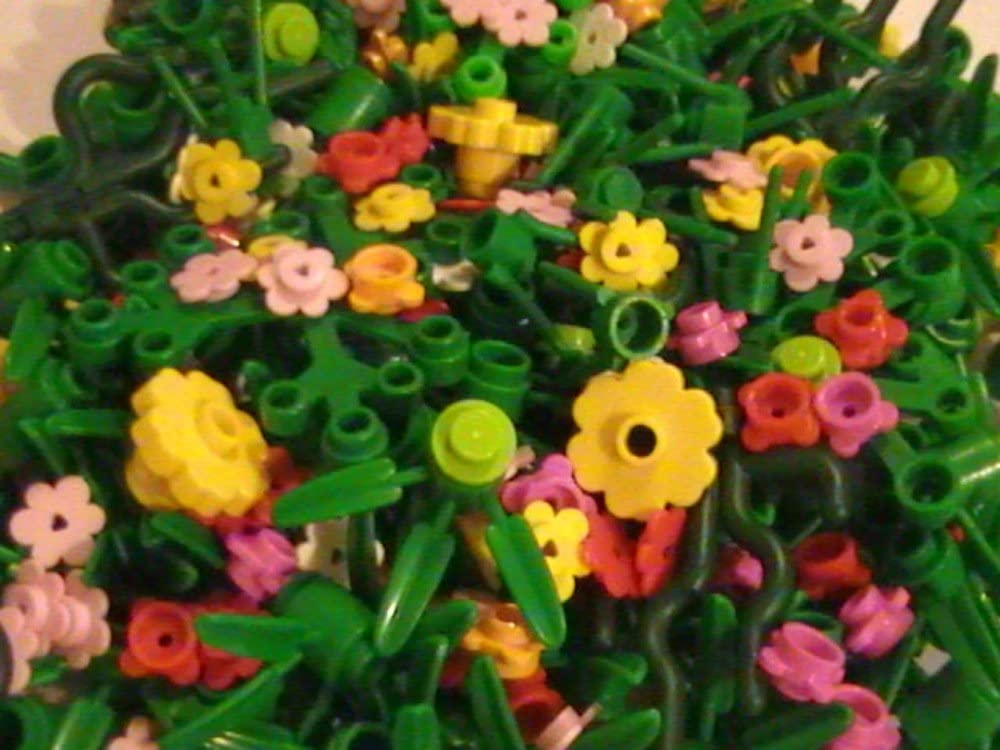 LEGO 50 Small Random Plants Flowers and Greenery Pieces