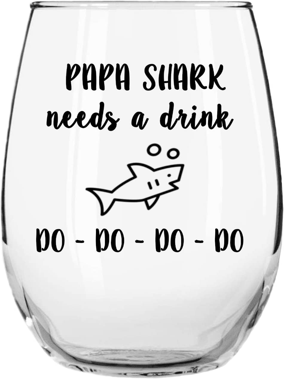Papa Shark Needs a Drink Do Do Do Do Funny Novelty Libbey Stemless Wine Glass with Sayings for Dads, Birthday, Father's Day