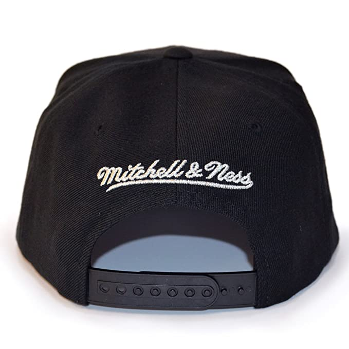 Mitchell   Ness New Orleans Pelicans Woven Tc Black Snapback  Amazon.co.uk   Clothing 204b5607a61f