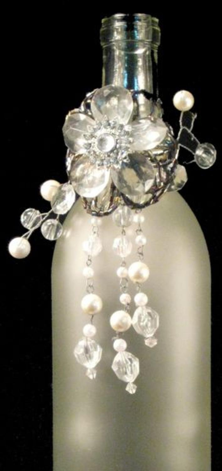 Pack of 3 Clear and White Beaded Flower Shimmer-Ring Wine Bottle Charms 6''