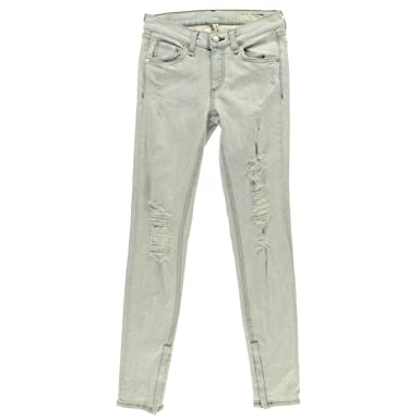 48f930b40d4 Image Unavailable. Image not available for. Color  rag   bone Jean Women s  The Zipper Crop Jeans Blue Shredded Bleachout ...