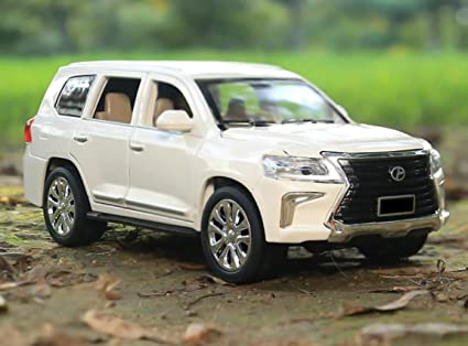 Magicwand 1:36 Scale Die-Cast Toyota Lexus with Pull Back, Blinking Lights  and Front Openable Doors