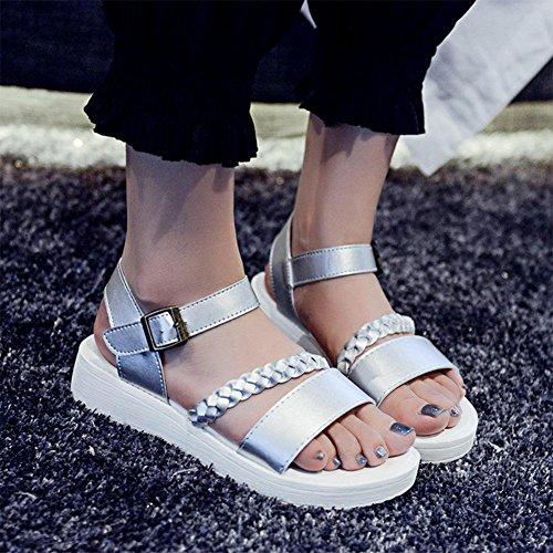 Verano de las sandalias de punta abierta de las mujeres zapatos planos planos con sandalias de la hebilla de correa delgada salvajes Silver