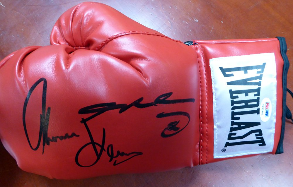 SUGAR RAY LEONARD & THOMAS HEARNS AUTOGRAPHED RED EVERLAST BOXING GLOVE LH PSA/DNA STOCK #115977
