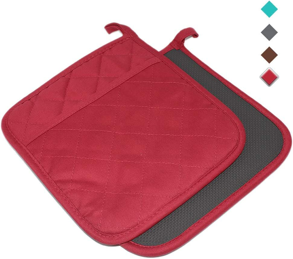 """YEKOO Cotton and Neoprene Oven Pot Holder with Pocket 8""""x8.5"""" Dual-Function Hot Pad Set for Finger Hand Wrist Protection Heat Resistant to 428°F Red"""