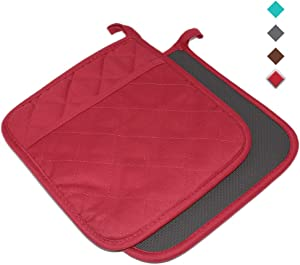 "YEKOO Cotton and Neoprene Oven Pot Holder with Pocket 8""x8.5"" Dual-Function Hot Pad Set for Finger Hand Wrist Protection Heat Resistant to 428°F Red"