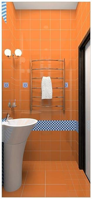 Türtapete Türposter Modernes Badezimmer in orange mit blauen Fliesen ...