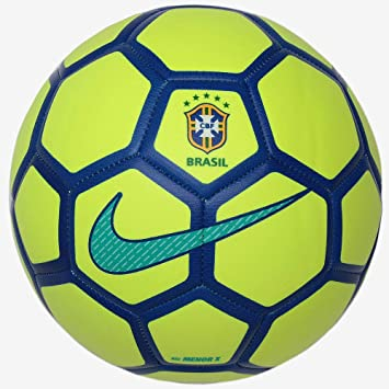 6734e472e4 Bola Futsal Brasil Menor - Nike  Amazon.com.br  Esportes e Aventura