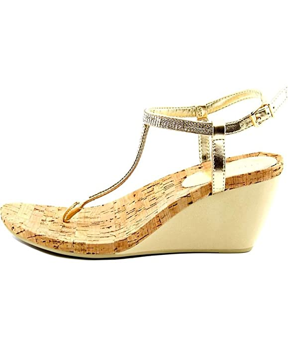 f04bd3388b2c BCBGeneration Womens Maybel Split Toe Casual T-Strap Sandals, Gold, Size  5.0 P1h: Amazon.ca: Shoes & Handbags