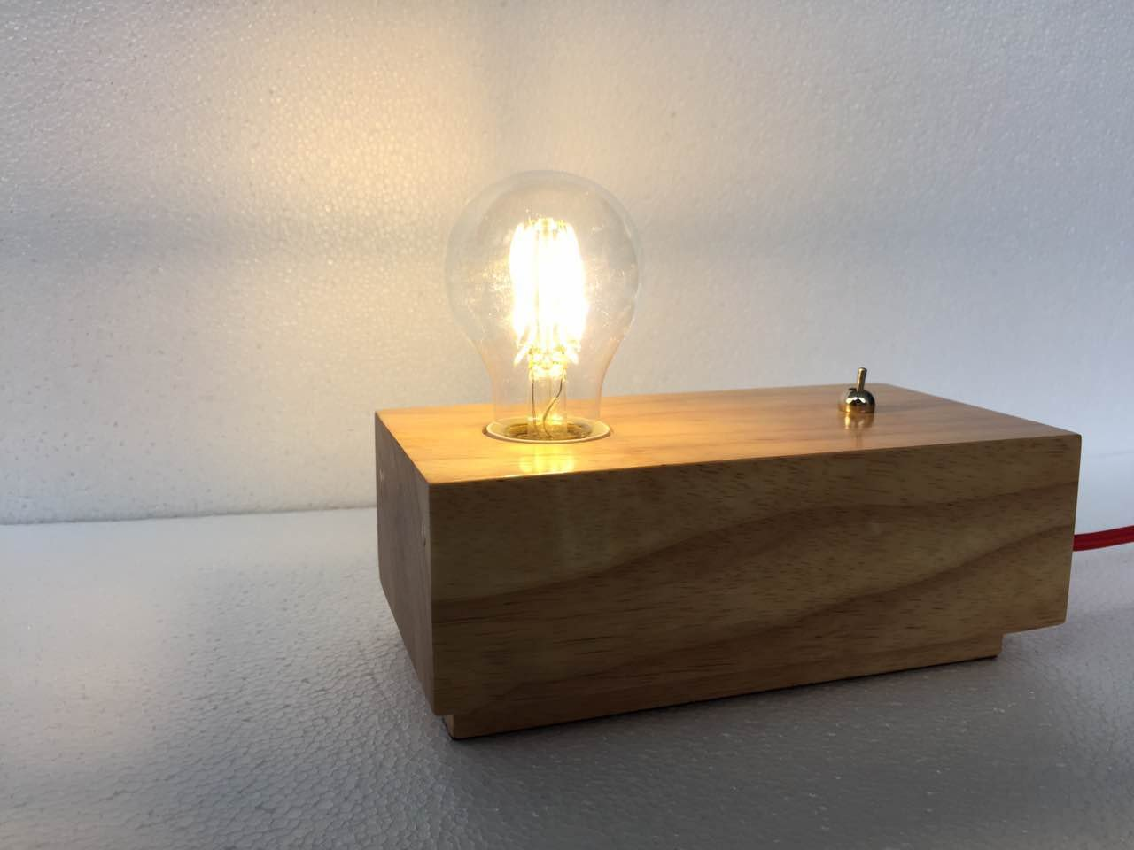 CHIC Wooden–Lámpara de mesa minimalista (Color: Wooden Table Lamp)