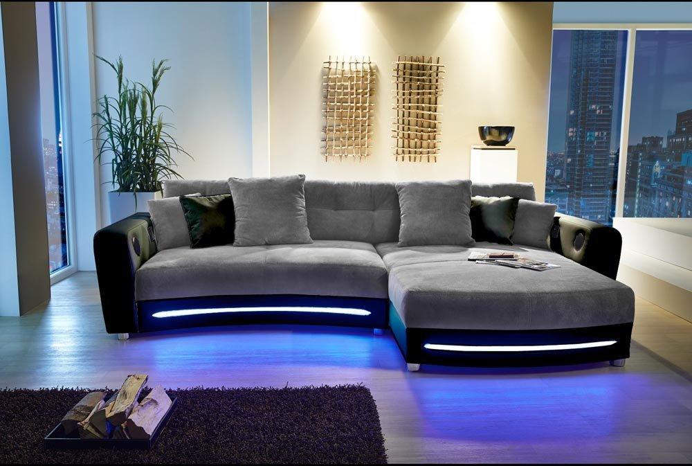 Ecksofa in schwarz (Kunstleder), grau (Microfaser) inkl. Multimediapaket und LED-Beleuchtung, 2 gr. Kissen und 4 kl. Kissen, Schenkelmaß: 322/190 cm