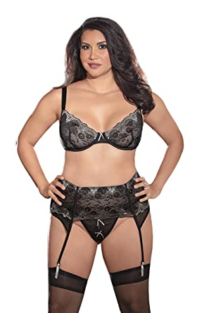 d8d72677618b0 Amazon.com  Escante Women s Plus-Size Inner Goddess Embroidered Lace ...