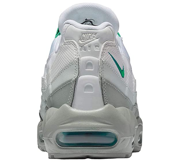 new concept 0b7c9 e914b Amazon.com  Nike Air Max 95 Essential Mens 749766-032  Fashion Sneakers