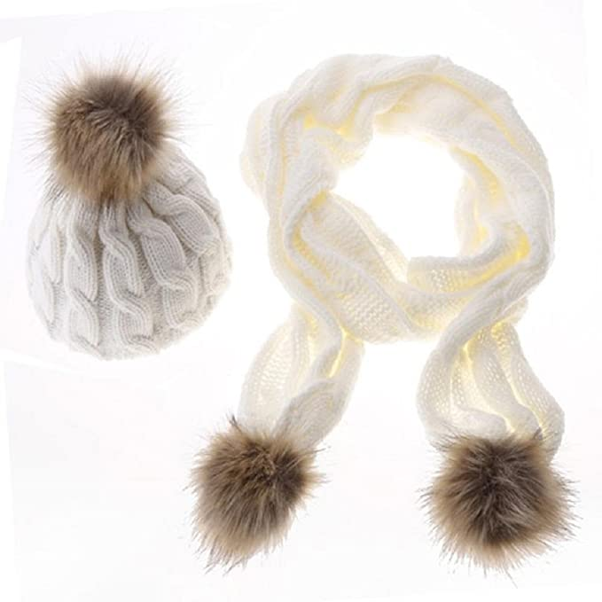 043cedb82e62 Ensemble luxueux et à la mode composé d une écharpe et d un bonnet en laine  douce avec pompon, blanc  Amazon.fr  Bricolage