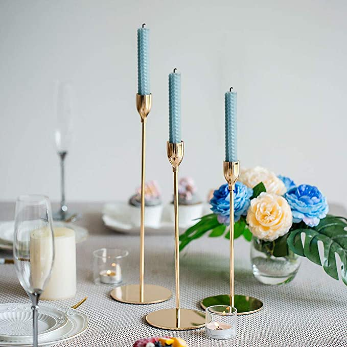 Goldene Kerzenhalter