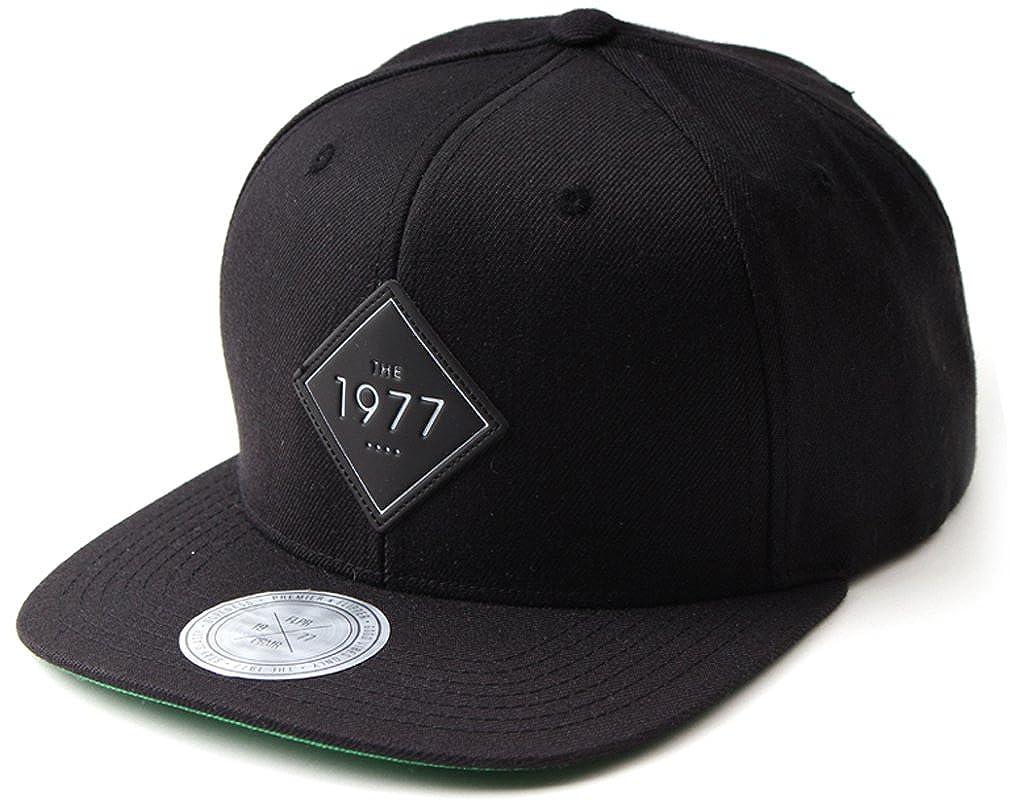sujii Flipper 1977 Snapback Hat Baseball Cap Trucker Hat Camping Outdoor  Cap Black at Amazon Men s Clothing store  0f637056d0c