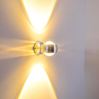 Wandleuchte Halbrund Aus Metall Mit Effekt Licht An Der Wand In Silber