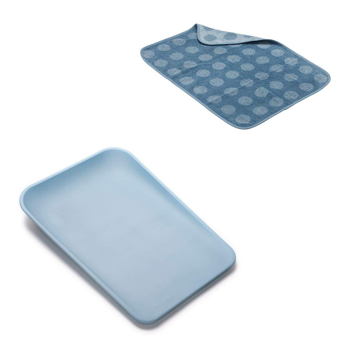 Topper in der Farbe dusty blue Leander Matty Wickelkissen in der Farbe pale blue
