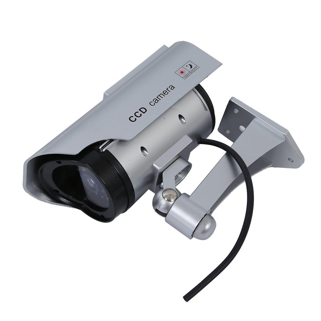 ソーラーダミーセキュリティカメラ – TOOGOO ( R )ソーラーダミーセキュリティカメラPowered LEDランプアウトドアCCDカメラCCTV IPカメラシルバーの家ショップ( 4パック)シルバー B019RLQKGA